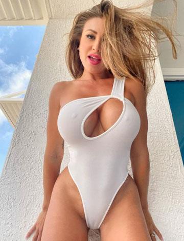 Diya Sexy Model